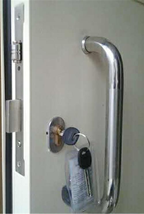 教室门碰珠锁